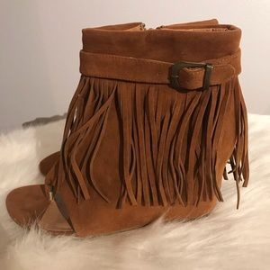 NEW fringe wedge sandals with zipper closure